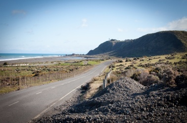 Wainuicoast-road-beach